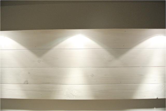 white wood DIY,białe deski jak malowac, blog DIY majsterkowanie deski malowane na biało
