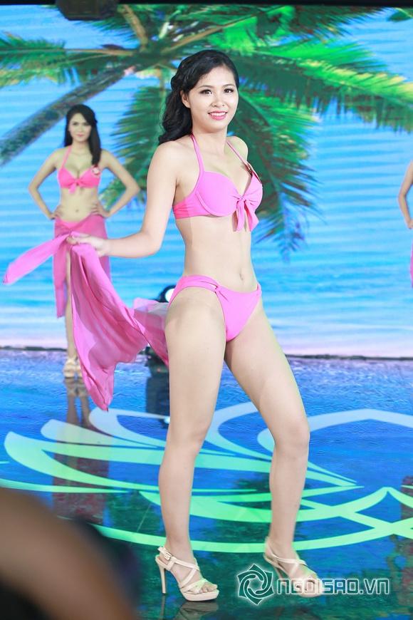 Ảnh gái xinh Hoa hậu miền bắc 2014 với bikini 17