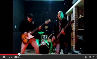 Banda Flores da Tarde lança videoclipe com a música Além do globo ocular na Central do Rock