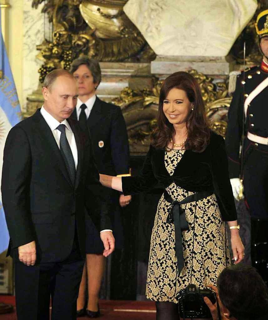 """Putin estendeu seus tentáculos e Cristina Kirchner ganhou o título de """"melhor aliada da Rússia"""" no continente"""