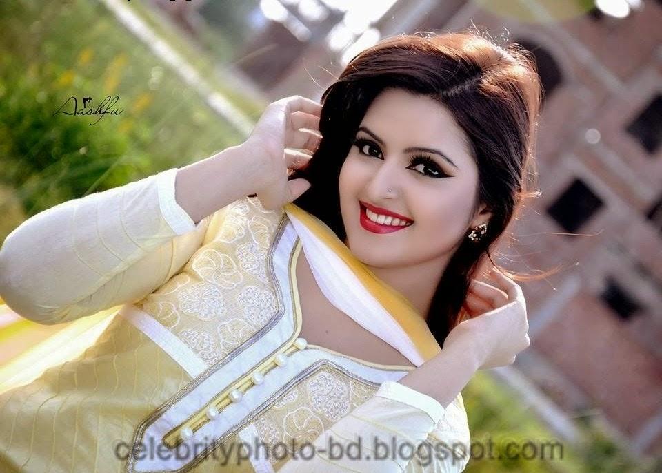 Bangladeshi+Super+Hot+And+Cute+Model+Pori+Moni's+HD+Photos017