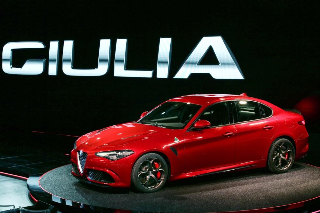 Alfa Romeo Giulia 2016 wallpaper