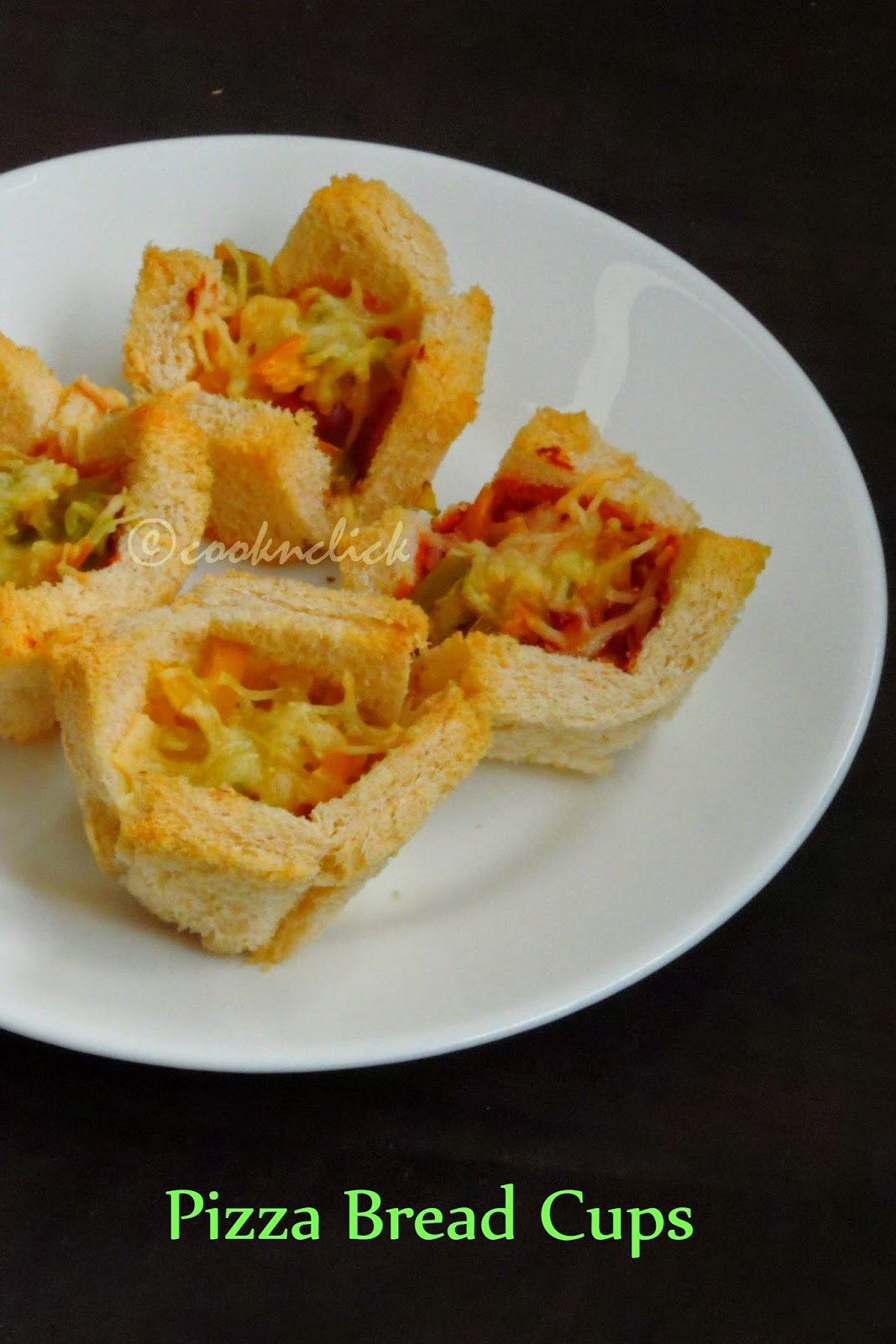 pizza bread cups, pizza cups