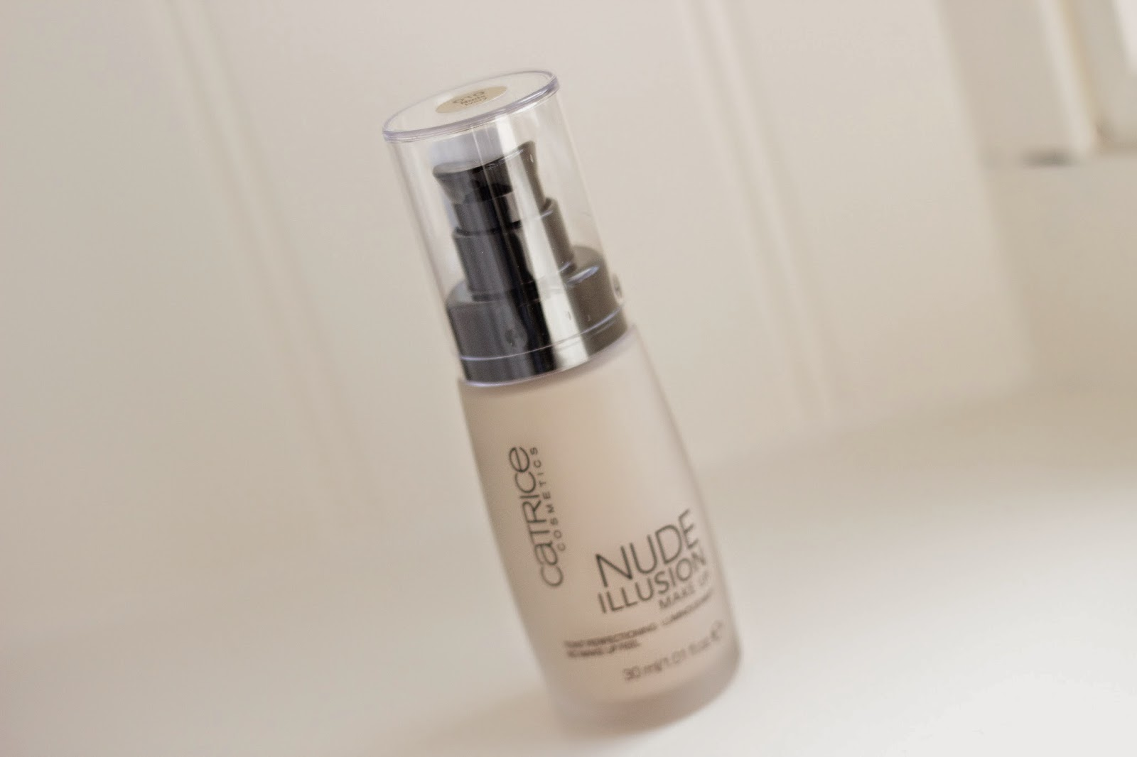 First Impressions Catrice Nude Illusion make up foundation