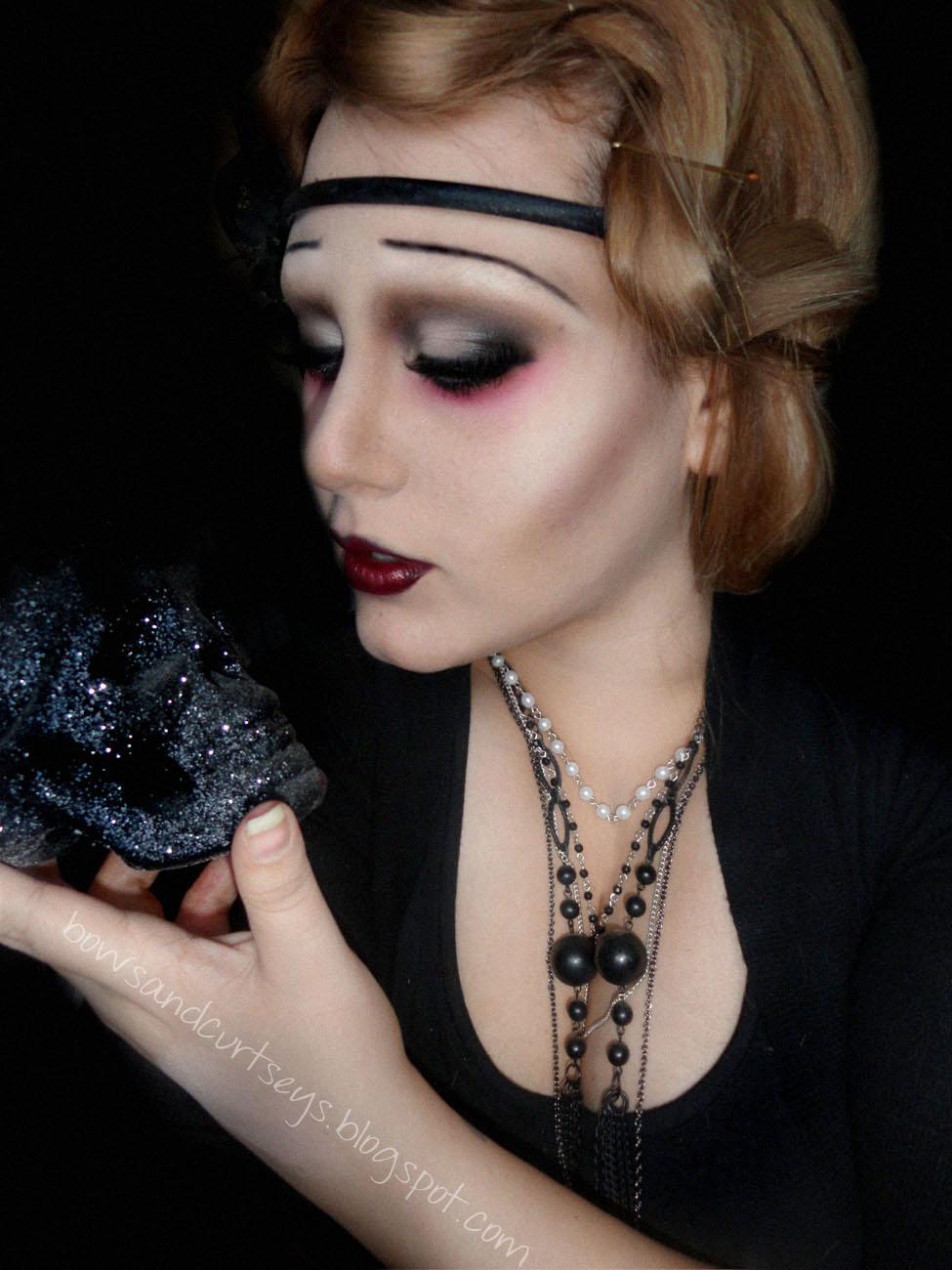 Halloween vampire halloween vampire woman portrait over scary us flapper vampire halloween look with tutorial baditri Image collections