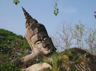 будда спящий задумчивый