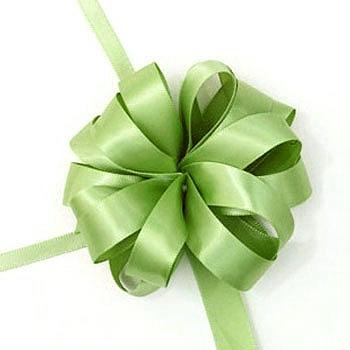 Цвете за подарък от готова лента
