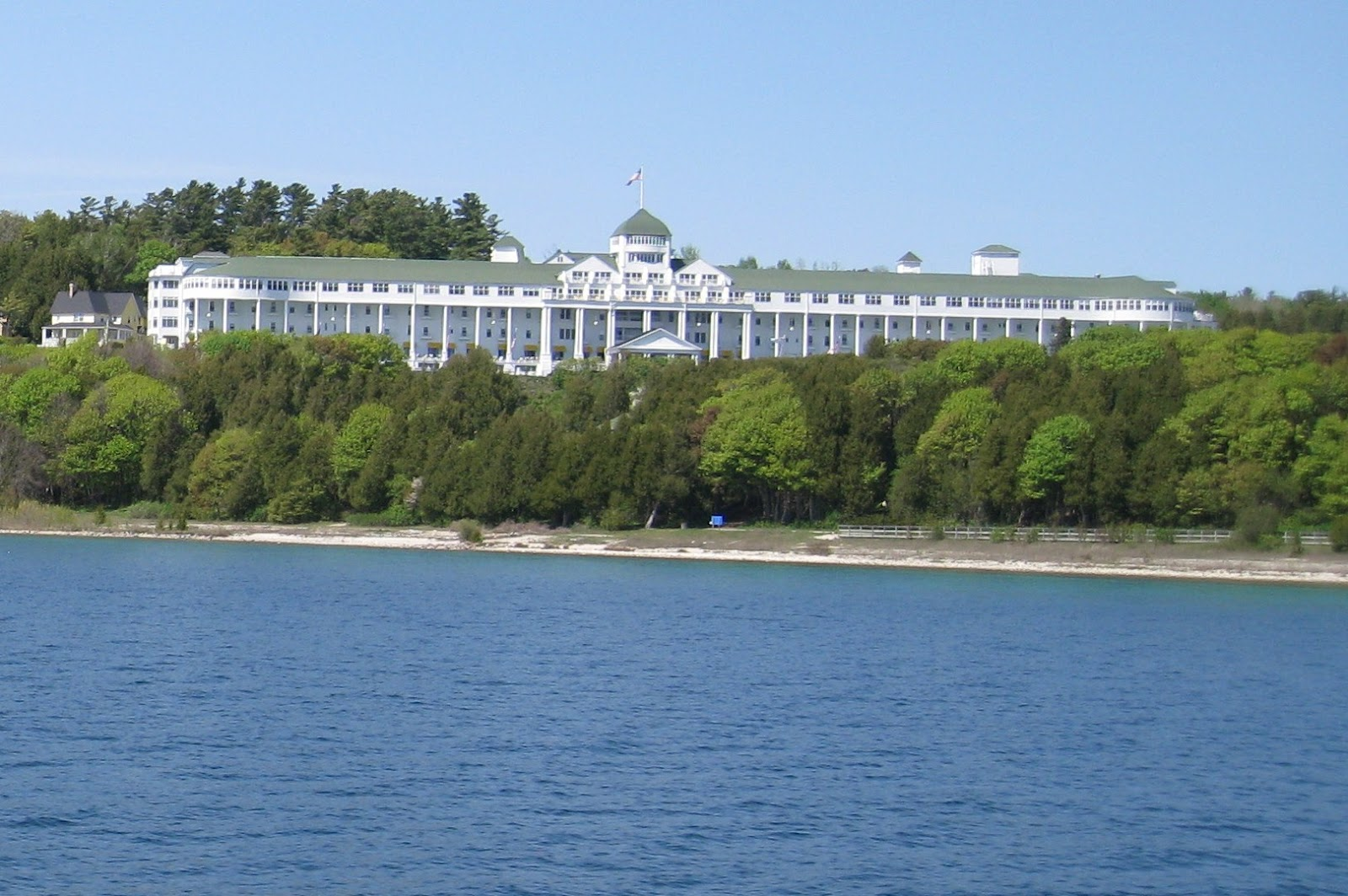 Download this Mackinac Island picture
