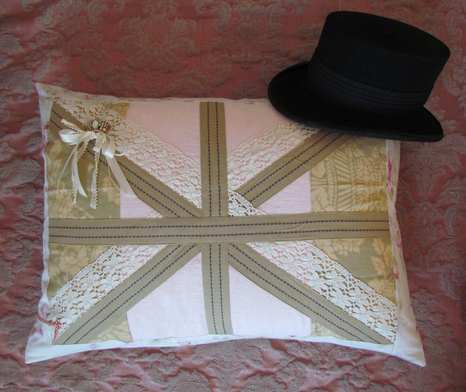 Angela lace union jack pillow for Decoration murale union jack