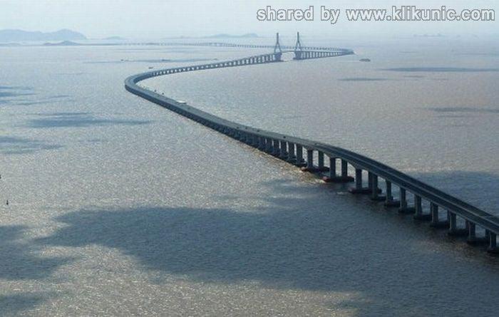 http://2.bp.blogspot.com/-nGWdrzZU1Xc/TXWX07mXMrI/AAAAAAAAQP8/7xjD3WRoLBs/s1600/bridges_03.jpg