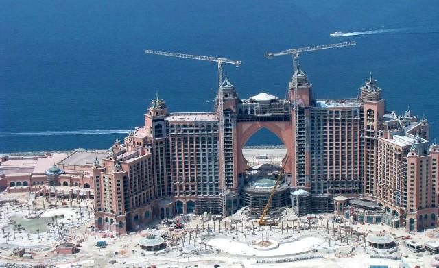 Alat Kontraktor Banyak Ditemui Di Dubai
