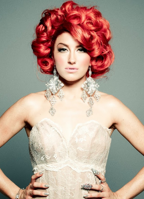 British song bird and vocal powerhouse Neon Hitch
