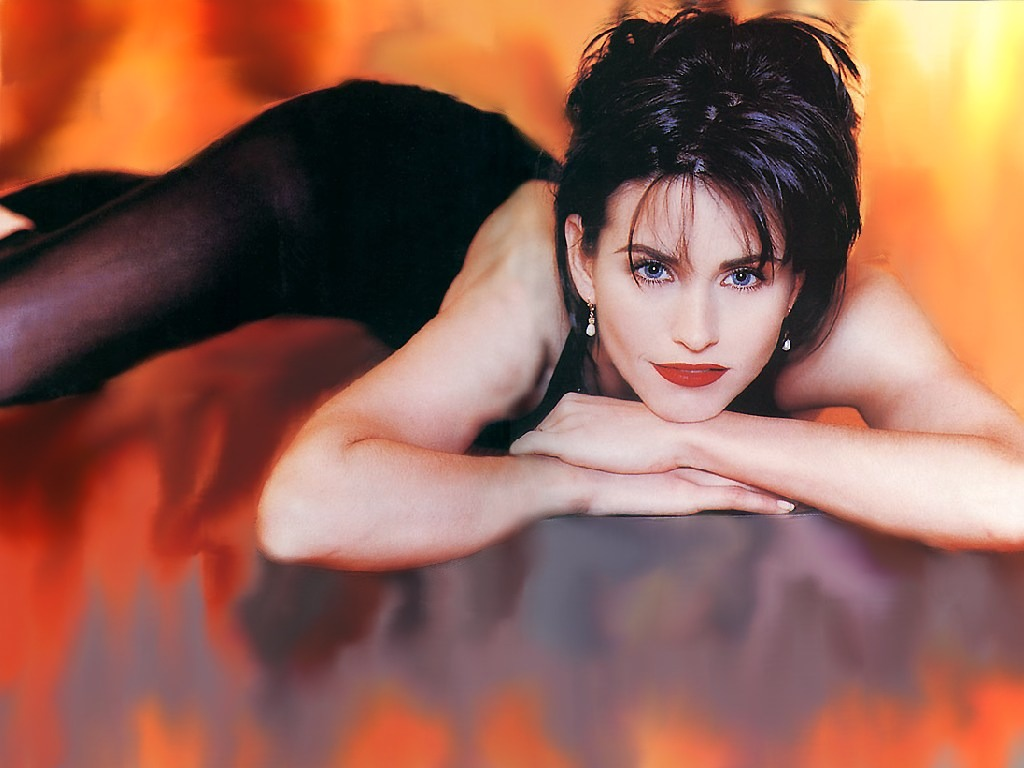 http://2.bp.blogspot.com/-nGkshqjskIE/T9h_wO508xI/AAAAAAAAA1U/YxSJMdEjSVM/s1600/Courteney+Cox+HD+Wallpapers+10.jpg