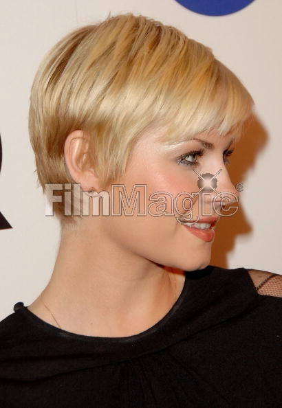 hair Elisha cuthbert short