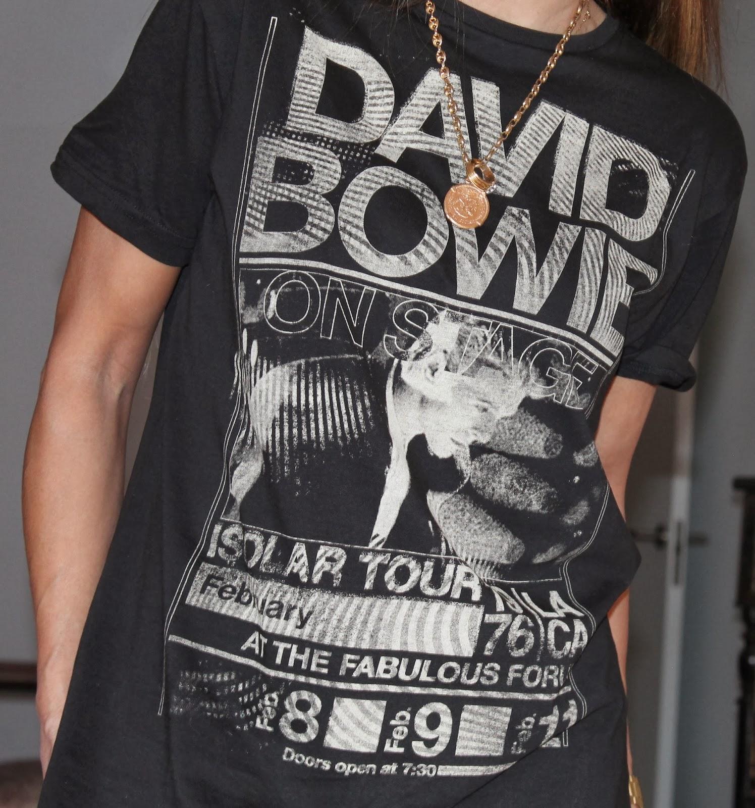 Detalle camiseta negra de Springfield David Bowie