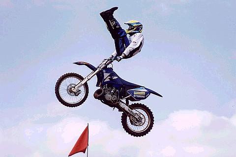 De manobras radicais de motocross durante o i campeonato cearense de
