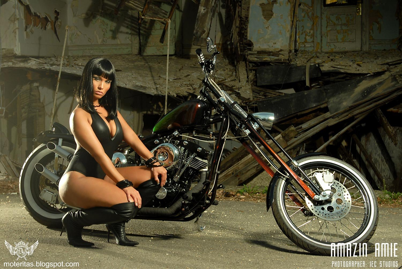 http://2.bp.blogspot.com/-nHeFK_uwoOg/T1oxwiE_4pI/AAAAAAAAAtQ/JvRmEx8sRj0/s1600/morocha-motos-chicas-chopper-hermosa-custom-wallpaper-motocicleta-749%2B%255Bmoteritas.blogspot.com%255D.jpg