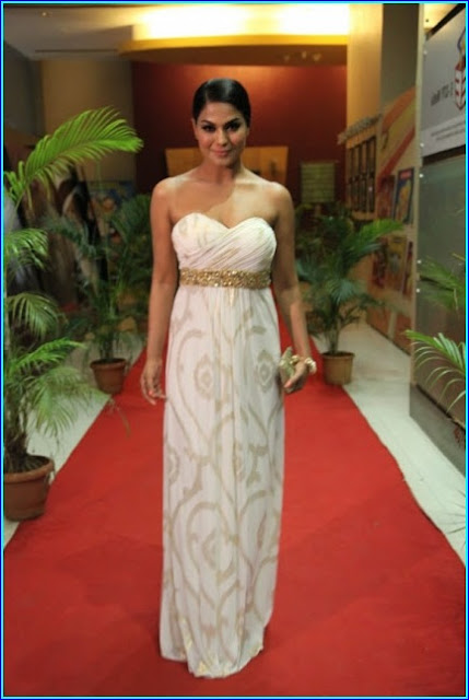 Veena Malik Pics in white Dress