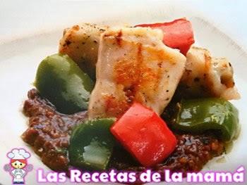 Receta de Rollitos de pollo rellenos de champiñones con salsa diabla