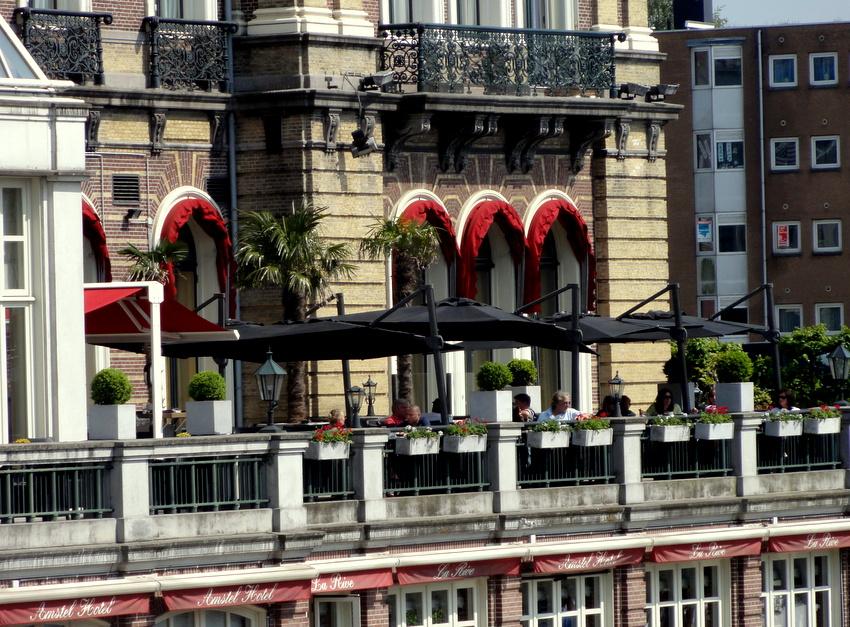 amstel hotel berlin