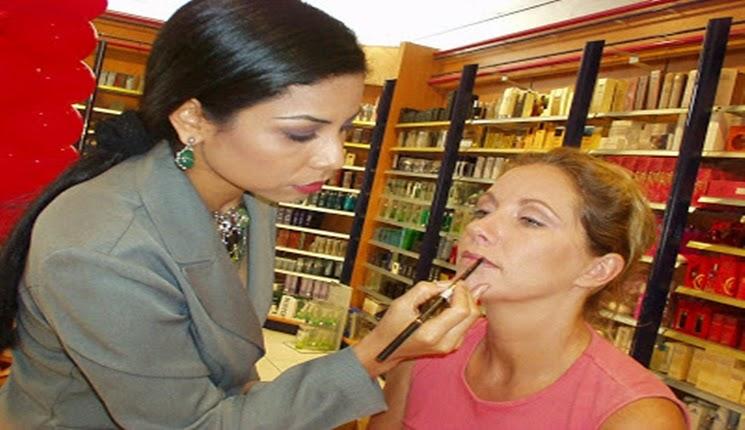 aplicando labial