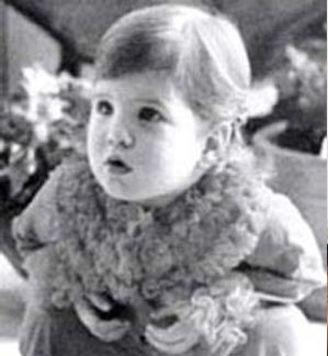 baby pictures of famous people Jennifer Aniston