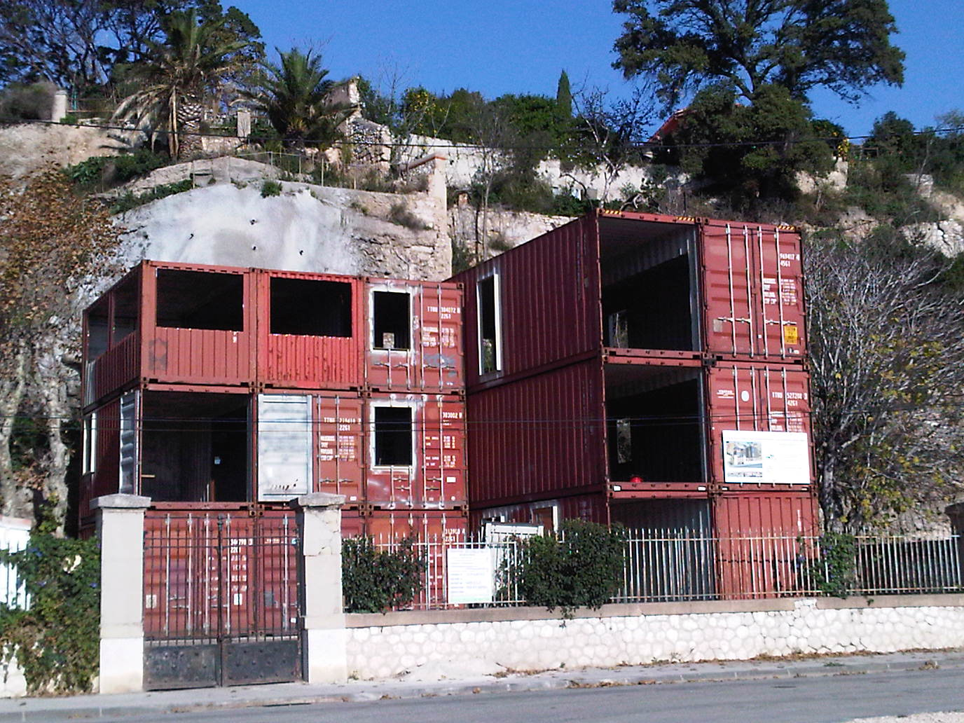 Transformation container habitation conteneur tcsi la for Maison container suisse