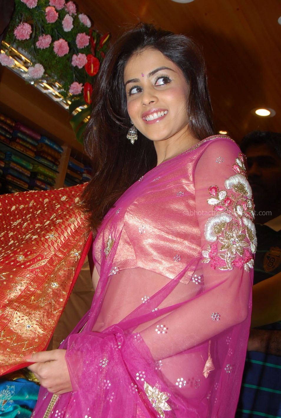 Bollywood Hollywood Lip Lock: Genelia Wearing Pink ...
