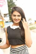 Neha Deshpande Glamorous look-thumbnail-15