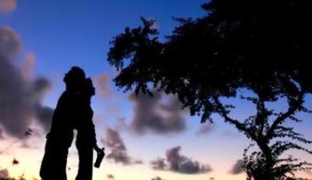 Kumpulan Puisi Cinta Yang Di Buat Dengan Sepenuh Hati