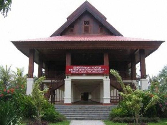 Download this Rumah Adat Doloupa Gorontalo Bangka Belitung Gadang picture