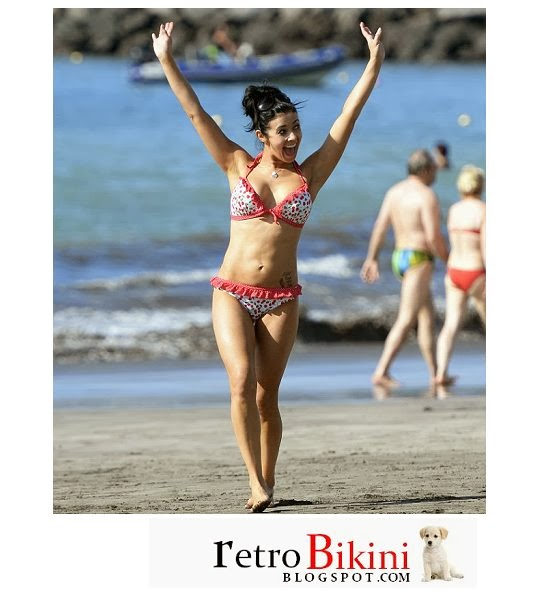 English: Kym Marsh White Bikini New Year's Eve‭ ‬2014‭ ‬Spain