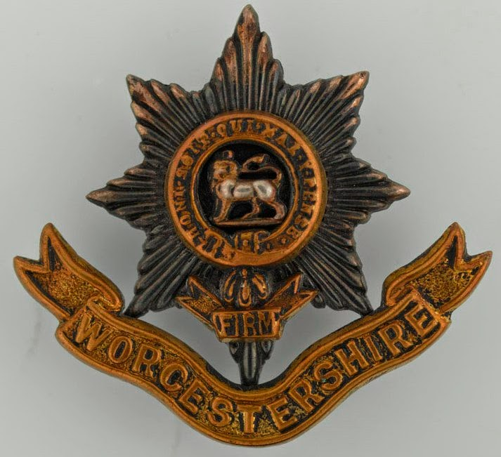Worcestershire Regiment Cap Badge  (National Army Museum)