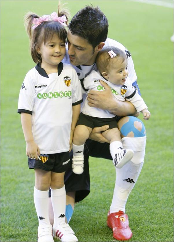 David Villa with his Wife and Baby Pictures