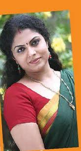 Asha-sarath-Kumkumapoo-serial-actress-hot-3