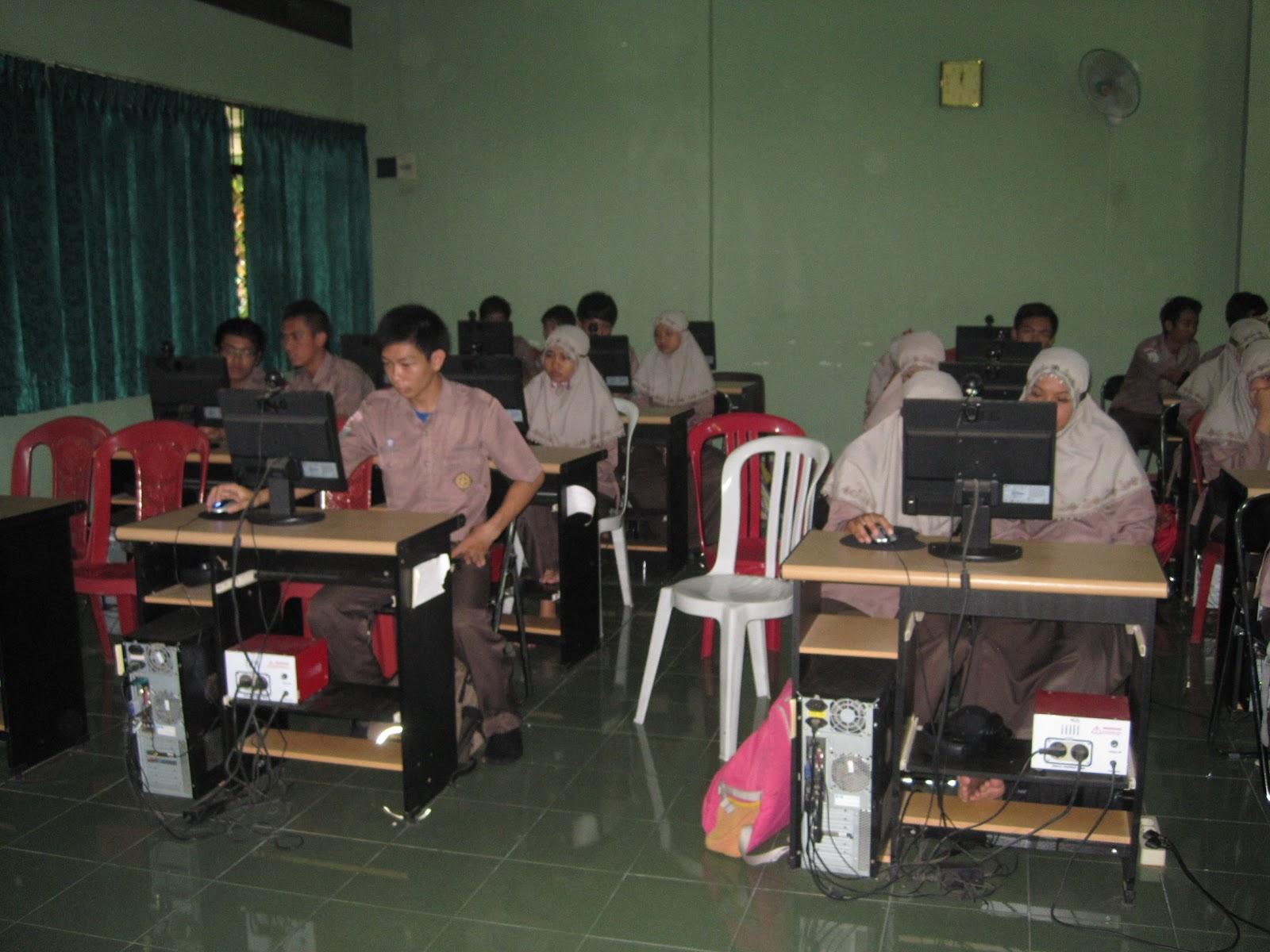 Kbm Akuntansi Di Lab Multimedia Akuntansi Dan Ekonomi
