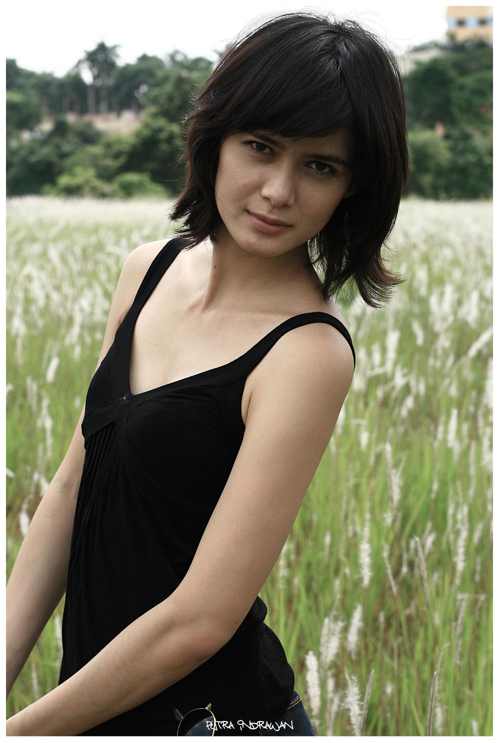 foto hot artis dan model renata kusmanto makassar info