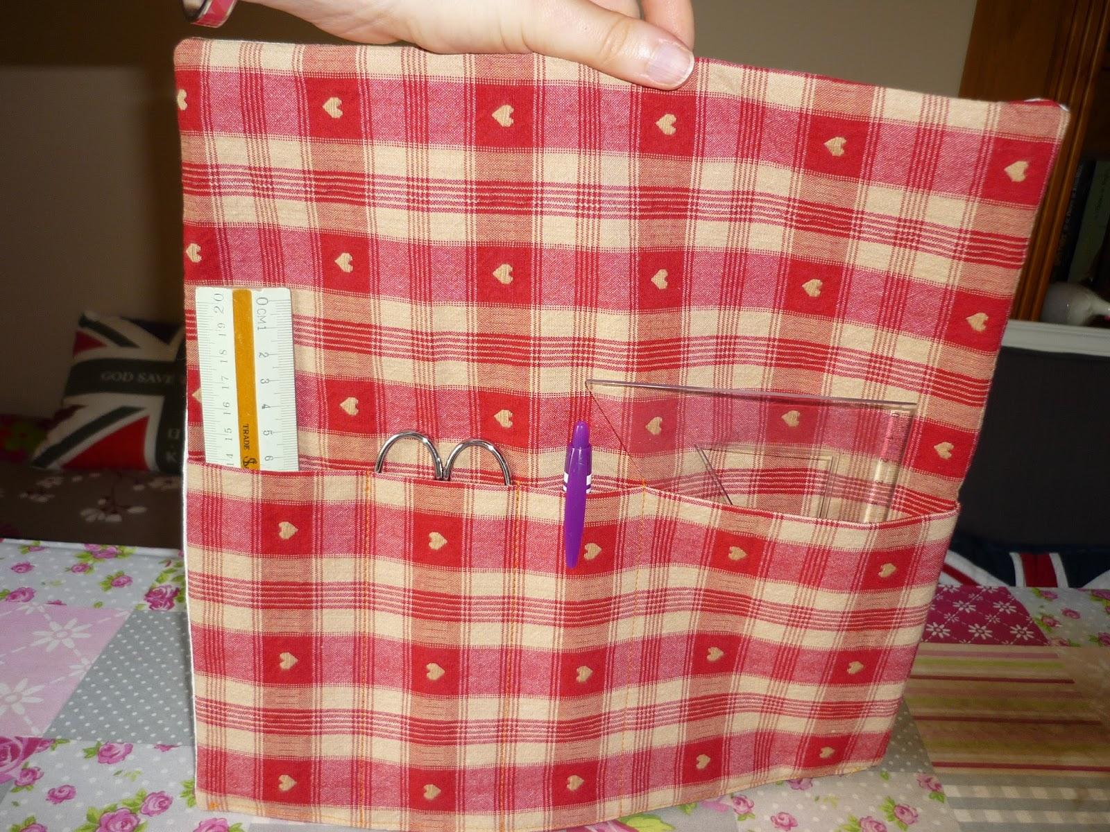 Cr ations d 39 elod 39 rideau de rangement couture for Rangement tissu couture