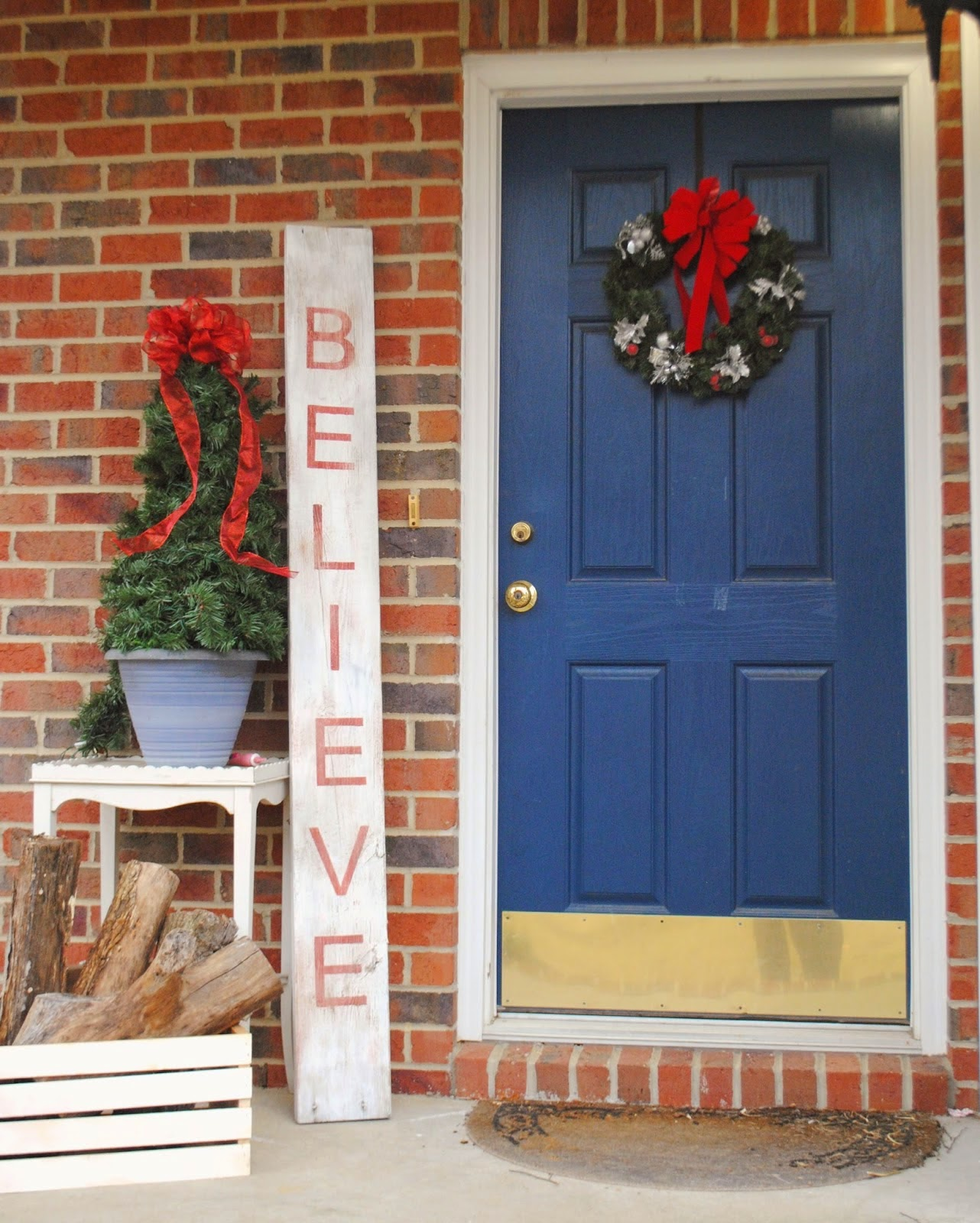 giant-believe-door-sign
