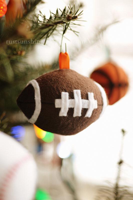 Tuesday, December 18, 2012 - Rust & Sunshine: 12 Days Of Christmas Ornaments - Day 12: Felt