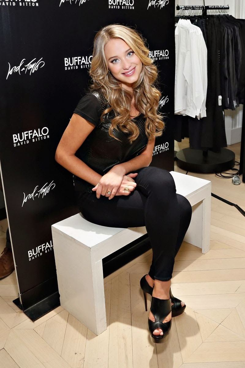 Beautiful Photos of Hannah Davis at Buffalo David Bitton Event