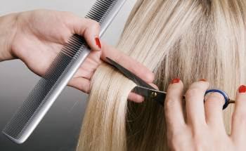 Sonhar cortando cabelo