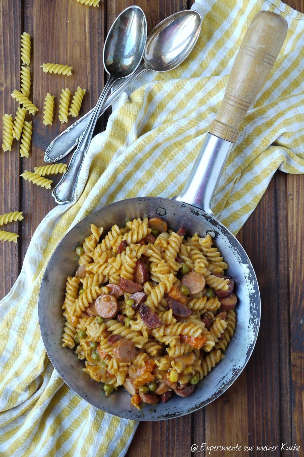 Experimente aus meiner Küche: Wurst-Nudel-Pfanne