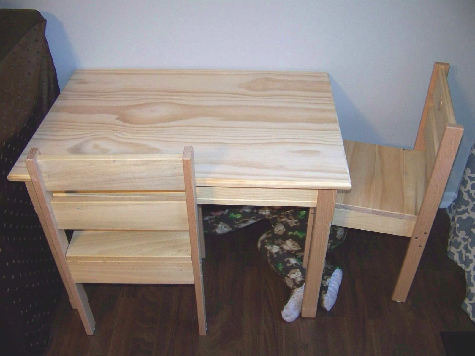 Diy kids table chairs mary martha mama Wooden childrens furniture