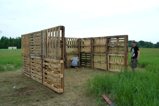 The Sitting Tree: Building a Wood Pallet Shed