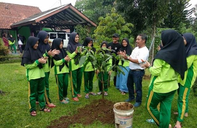 GTP Ke -203 Di Satpel Kelurahan Pasir Jaya, Edukasi Antara Penting Keserasian Alam dan Manusia