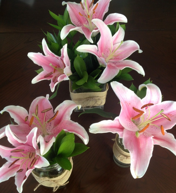 pretty and inexpensive lily centerpieces   visa gift card, Beautiful flower