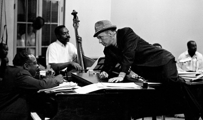 http://kvetchlandia.tumblr.com/post/71998967357/john-dominis-count-basie-and-frank-sinatra-at