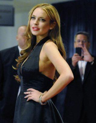 Hangat ! Lindsay Lohan Terlibat Dalam Kemalangan (gambar kereta)