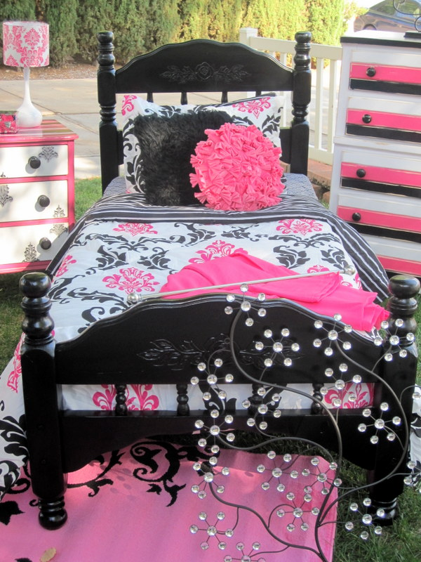 Http Imgarcade Com 1 Pink And White Damask Bedding
